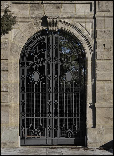Cancello pedonale cancelli in ferro e recinzioni in ferro for Lance per cancelli in ferro