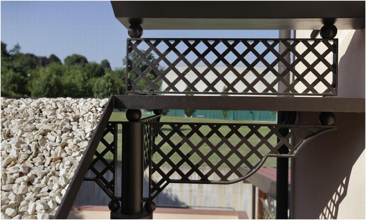 Copertura scala complementi d 39 arredo for Complementi d arredo ferro battuto