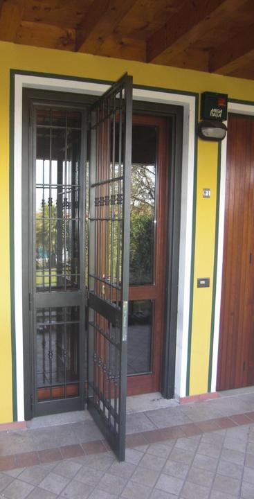 Inferriate e porte finestra - Inferriate per finestre in ferro