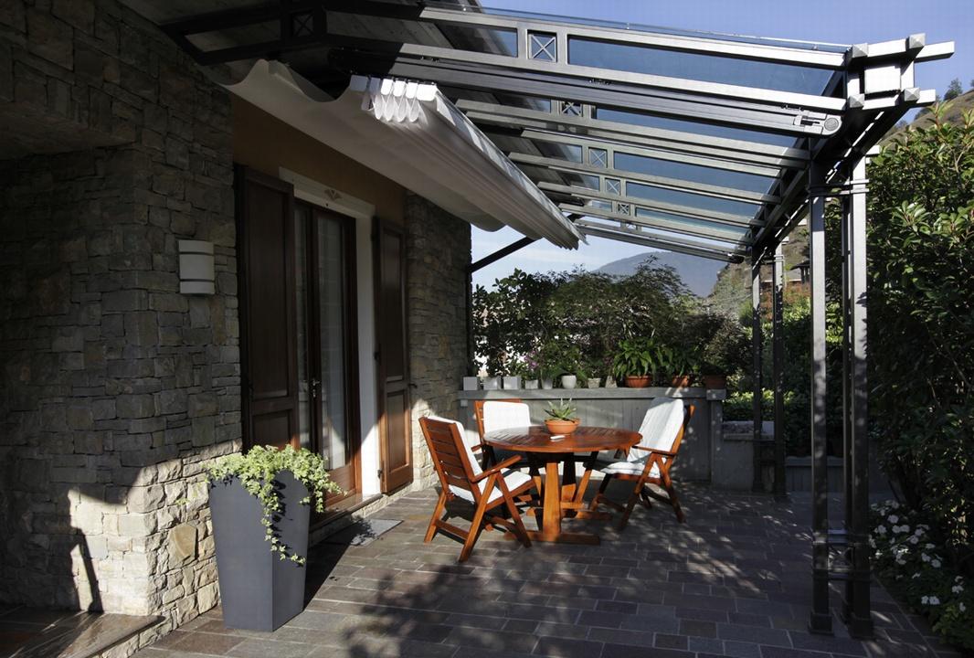 Portico vetrato complementi d 39 arredo for Complementi d arredo moderno