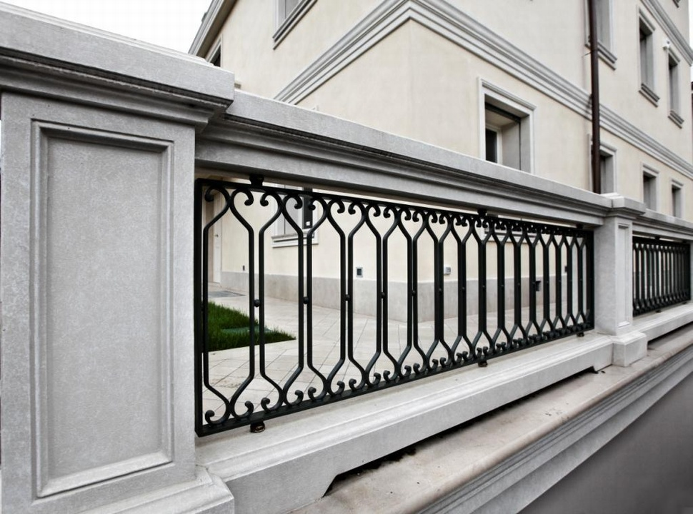 Balaustra scala e ringhiere per balconi balaustre in ferro - Ringhiere in ferro battuto per balconi esterni ...