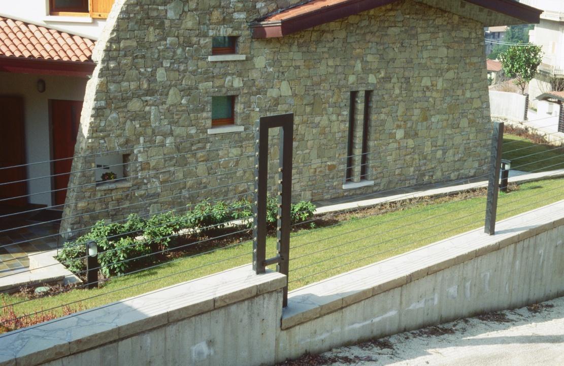 Recinzioni in ferro cancelli in ferro e recinzioni in ferro for Design abitazioni