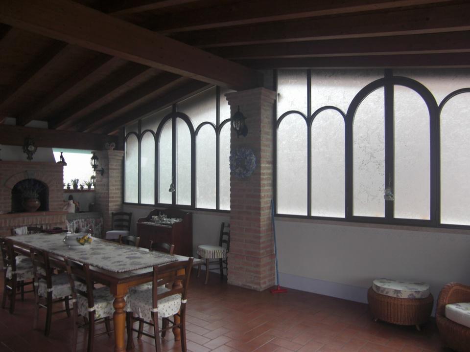 Veranda in ferro battuto e vetro   complementi d'arredo