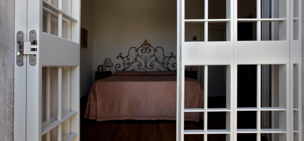 Lucernario aerante bocche di lupo e soluzioni in ferro battuto brescia - Cerniere per finestre ...